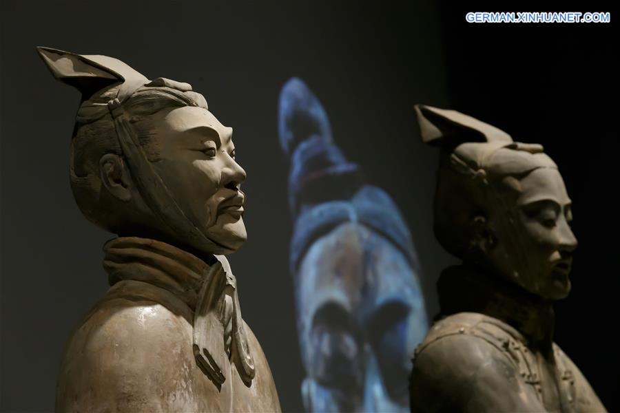 Terrakotta-Armee in Großbritannien ausgestellt