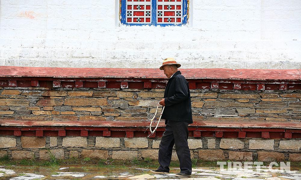 Fromme Pilgerfahrt zum Lamaling-Kloster