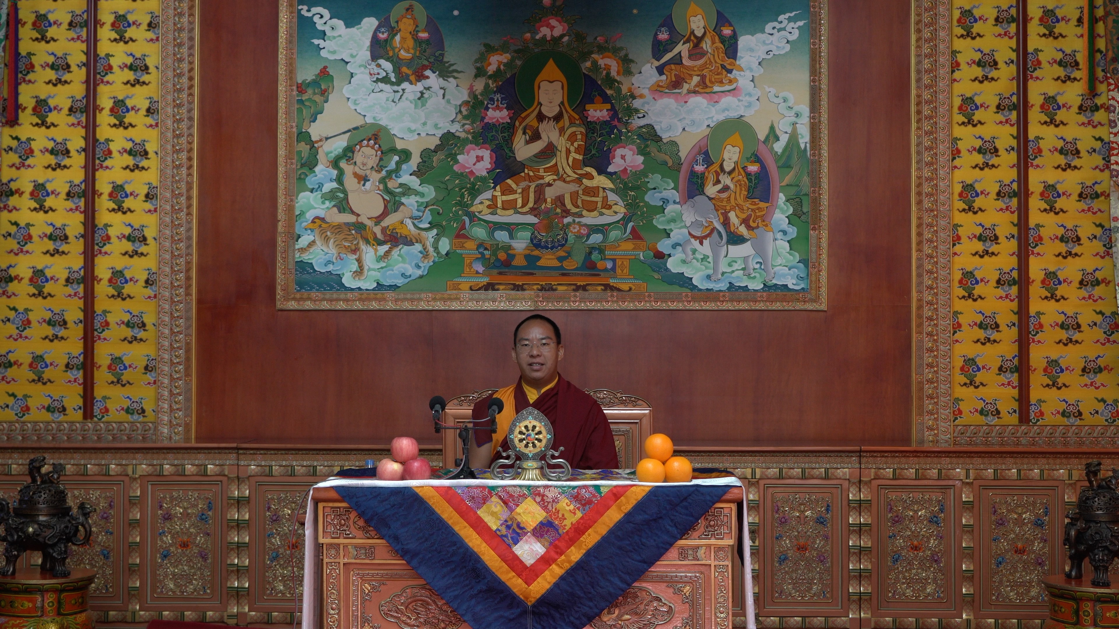 Panchen Lama conveys New Year's blessings