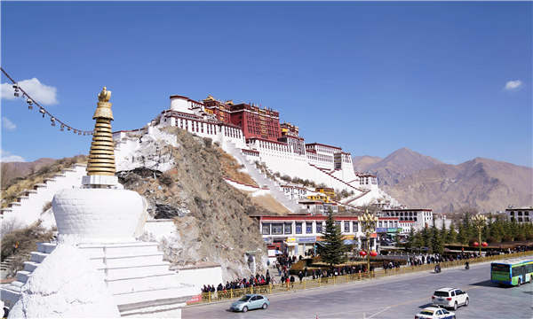 Tibet offers tourism bargains above clouds