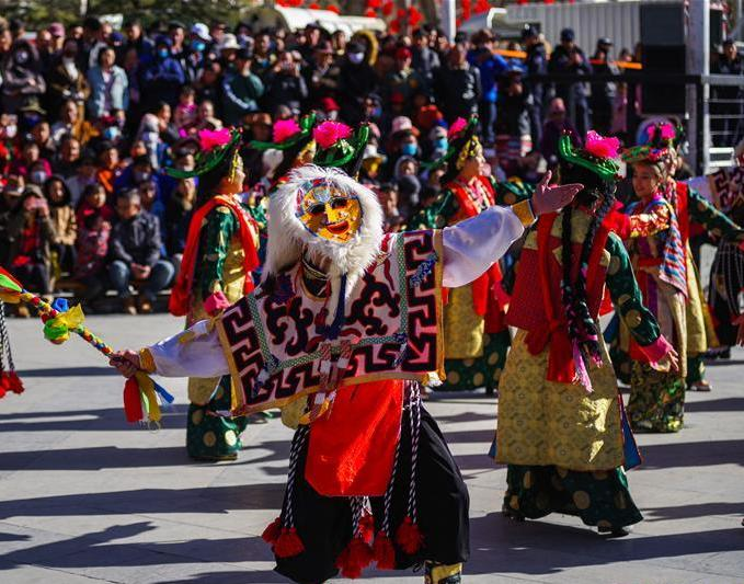 Tourism booming in Tibet during holiday week