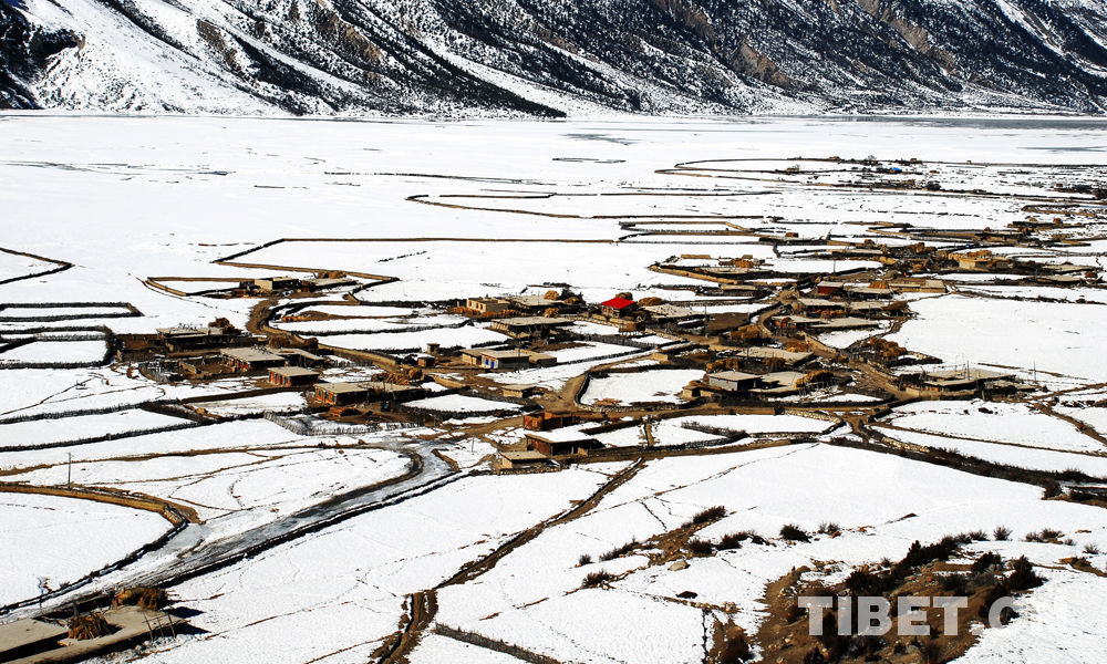 Winter scenery in Tibet
