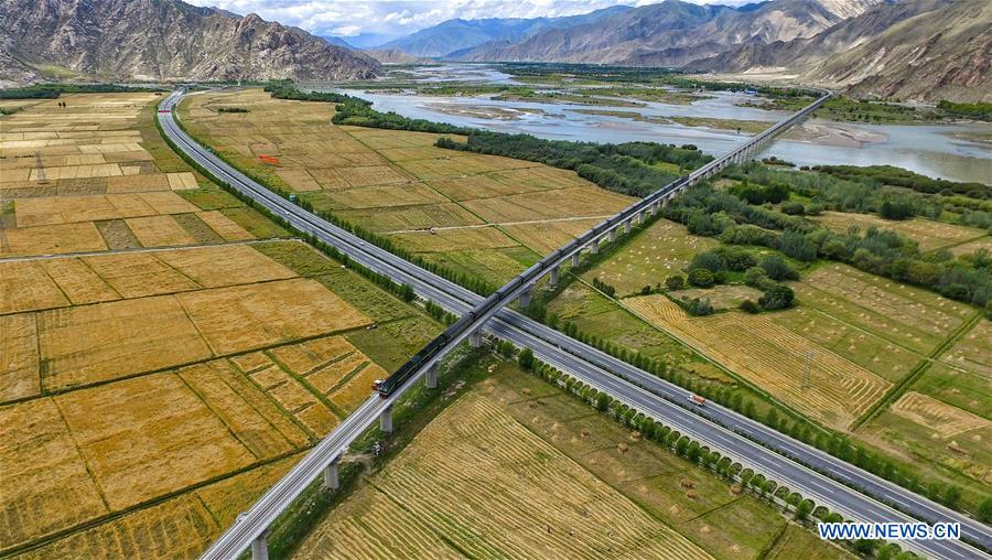 New roads make a more dynamic Tibet