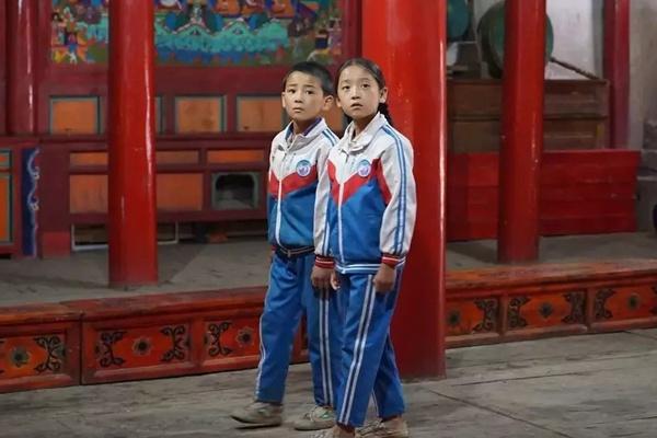 """""""Gummistiefel Wangzhas"""" erzählt eine China-Geschichte"""