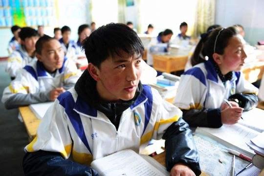Qinghai kümmert sich um Schwänzer und Schulabbrecher