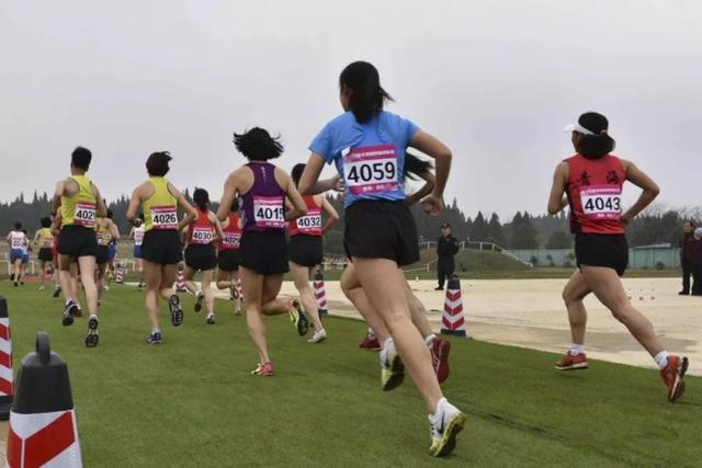 Tibetische Sportler erzielen bei Cross-Country Championships ausgezeichnete Leistungen