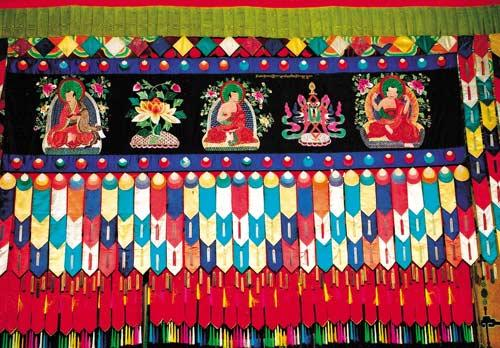 Embossed embroidery of Ta'er Monastery