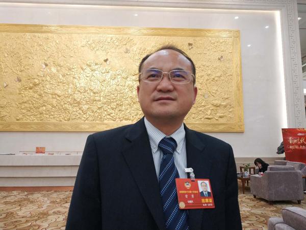PKKCV-Mitglied Zeng Yong: Beseitigung der Schwäche der Vorschule der Gebiete der nationalen Minderheiten