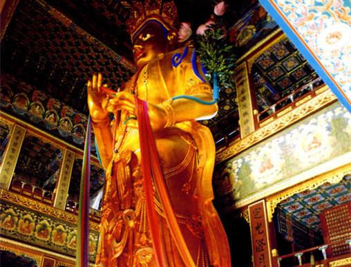 Archiv der nationalen Kunstsch?tze in Tibet: Die vergoldete stehende Maitreya-Statue