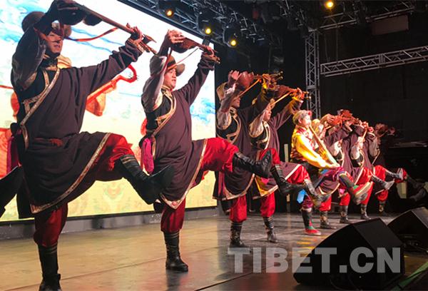 Tibetisch-ethnische Tanzvorführung in Peking