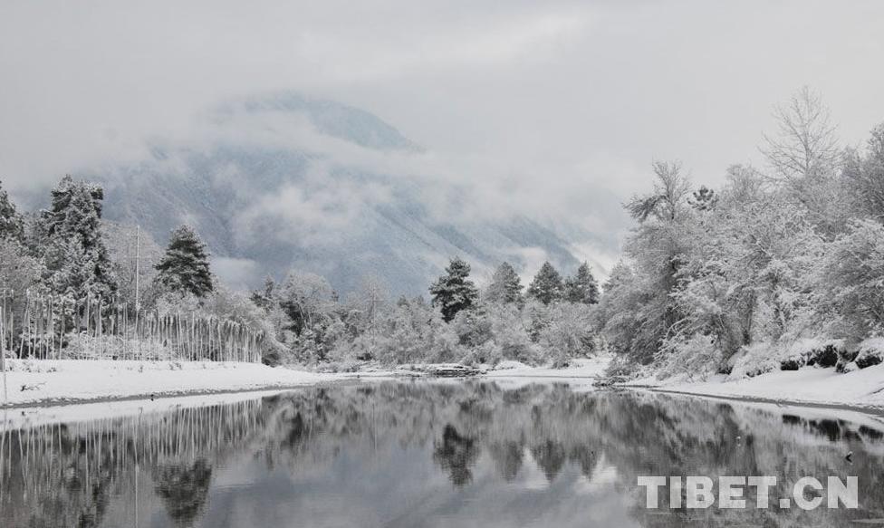 Beginn der Bergsteigsaison - Saubermachen des n?rdlichen Qomolangma-Hanges