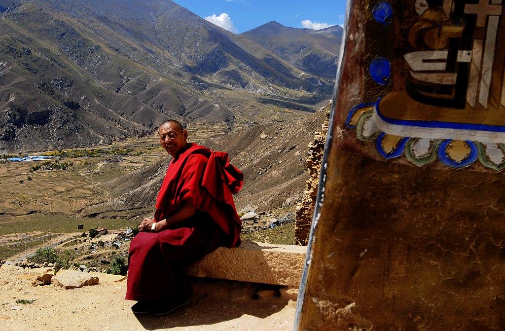 Tibetische Mönche erstaunen über die rasante Entwicklung Lhasas