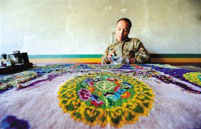 Tibetan carpet leads ethnic handicraft industry of Tibet