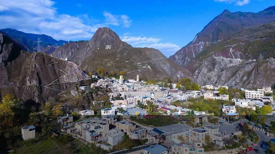 Zehn Jahre nach dem Erdbeben: Wiederaufbau des 1000 Jahre alten tibetischen Dorfes