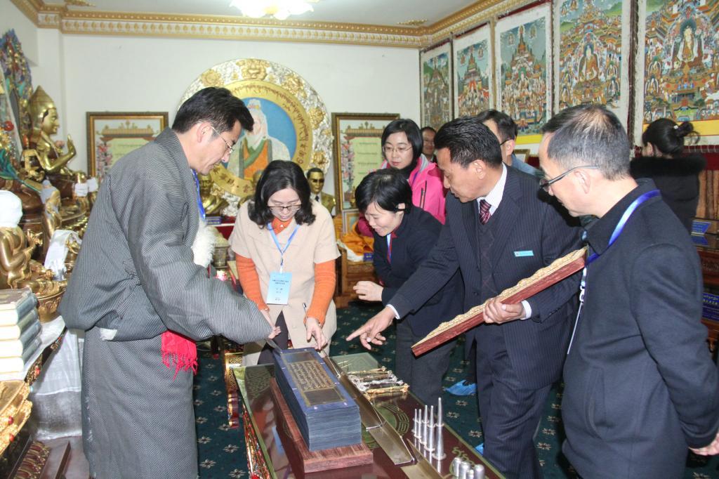 Ausbildung in tibetischer Medizin zeigt Trend zu Modernisierung