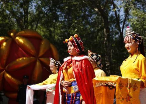 Qinghai veranstaltet Kunstfest zu tibetischer Kultur