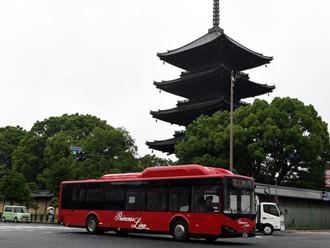 实拍日本京都街头的中国电动巴士