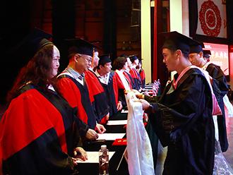 中央民族大学法学院首届藏语基地班毕业啦