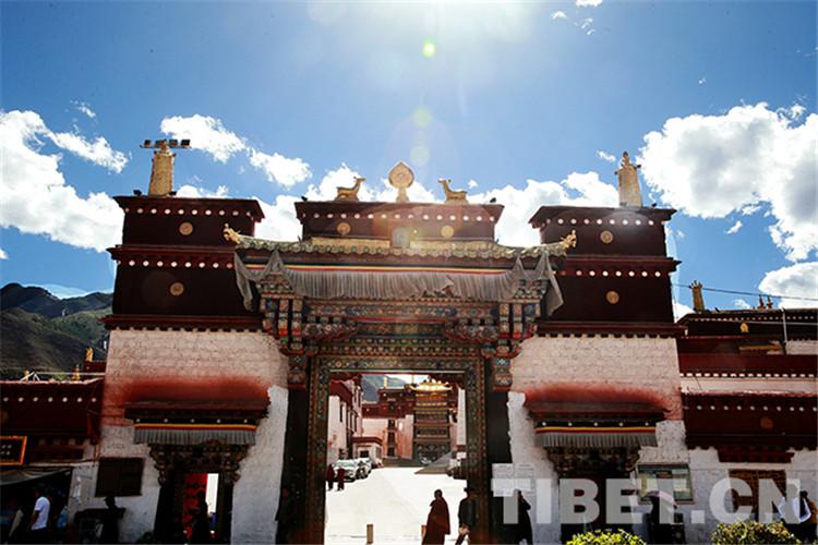 Wie werden tibetische Klöster vor Bränden geschützt?