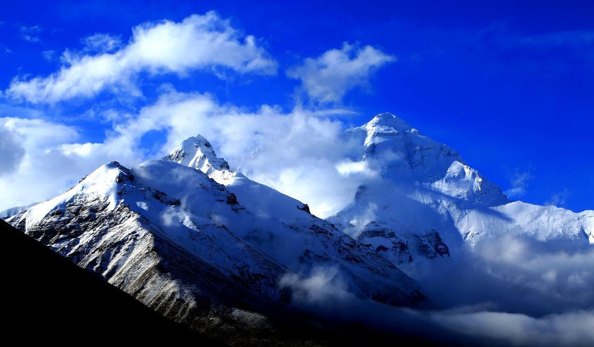 自治区领导会见巴基斯坦高山俱乐部一行