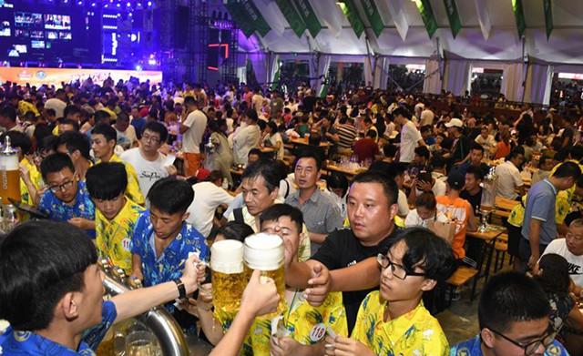 Start für das 28. Internationale Bier-Festival von Qingdao