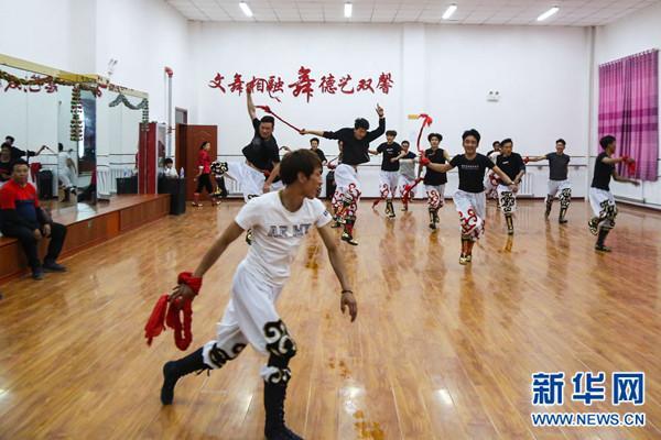 Xiangcuo Drolma tanzt für den Traum