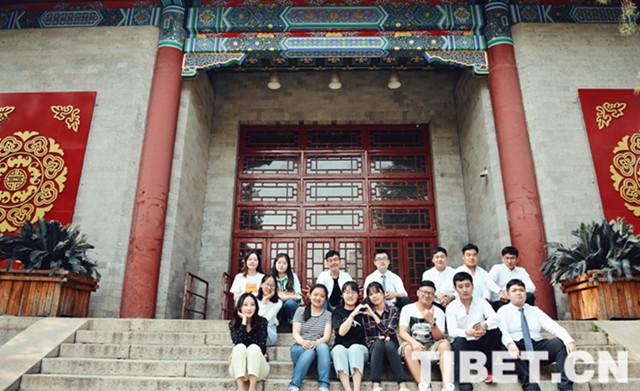 """Tibetisch-Absolventin: """"Je mehr ich darüber lerne, desto mehr mag ich die tibetische Nationalität"""""""