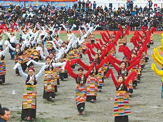 """江孜达玛文化旅游节开幕 发挥""""文化搭台 经济唱戏""""作用"""