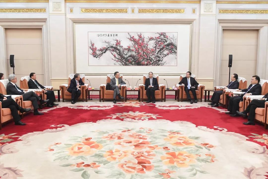 尤权会见香港会计界主要团体负责人访问团