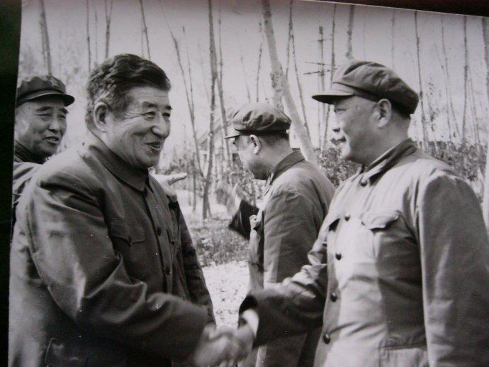 【缅怀】今天,我们如何纪念杨静仁同志?