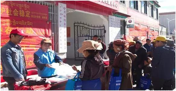 山南市琼结县工商联积极开展民族团结进企业宣传活动