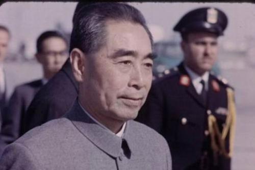 周总理是执行党的统一战线政策的典范
