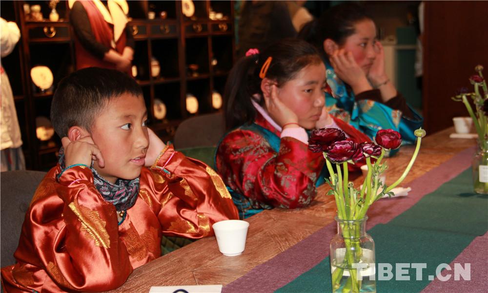 【陪你长大】何银萍:陪着西藏孩子,传承中医文化
