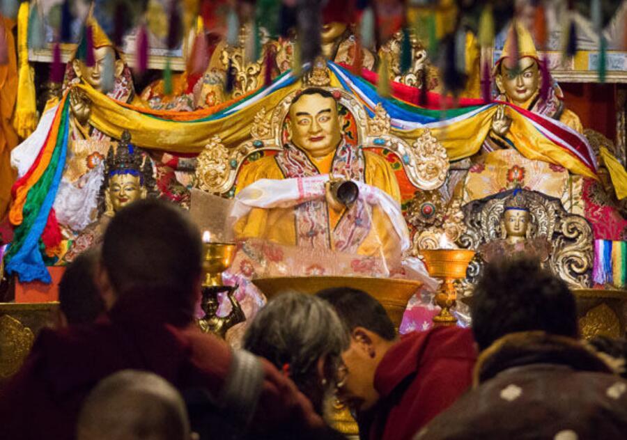 西藏扎什伦布寺隆重举行十世班禅大师圆寂30周年纪念法会