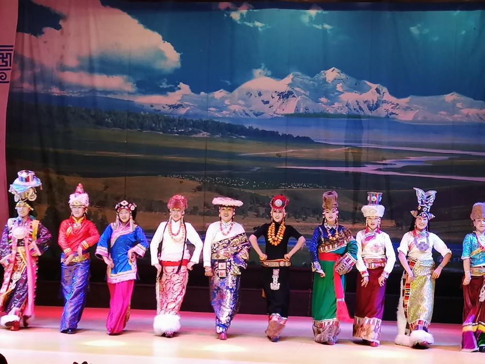 67家海外华文媒体走进四川九寨沟 感受原生态藏羌风情视听盛宴
