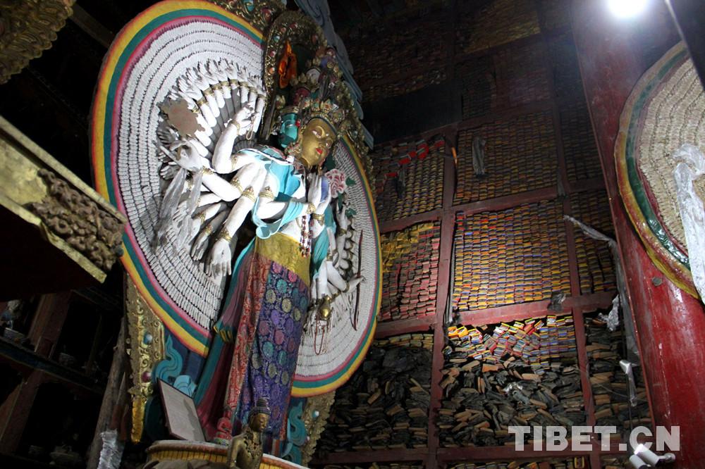 【昌都行记】走进类乌齐寺查杰玛大殿:观壁画修复 赏珍贵文物