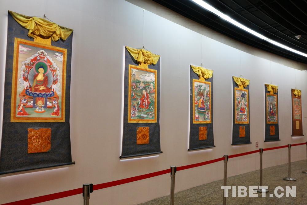 首届国际唐卡艺术展暨世界唐卡艺术大会开幕式在京举行