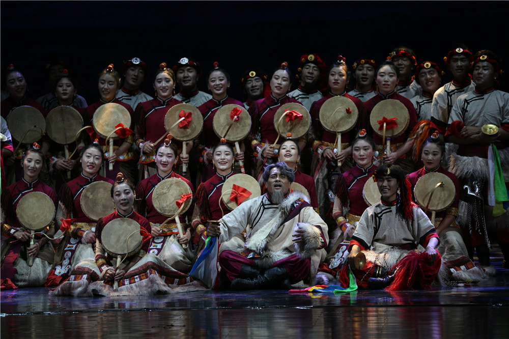 西藏大型民族歌舞诗《琼热巴》在天津上演