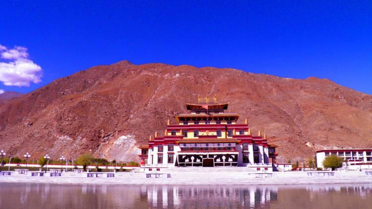 """西藏佛學院開展""""不一樣的童年 一樣的棟梁 快樂'六一'精彩綻放""""學習匯報暨文藝匯演"""