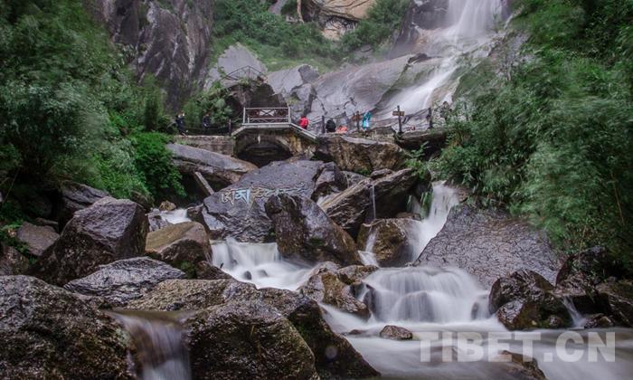 环行藏东南|流水飞瀑卡定沟