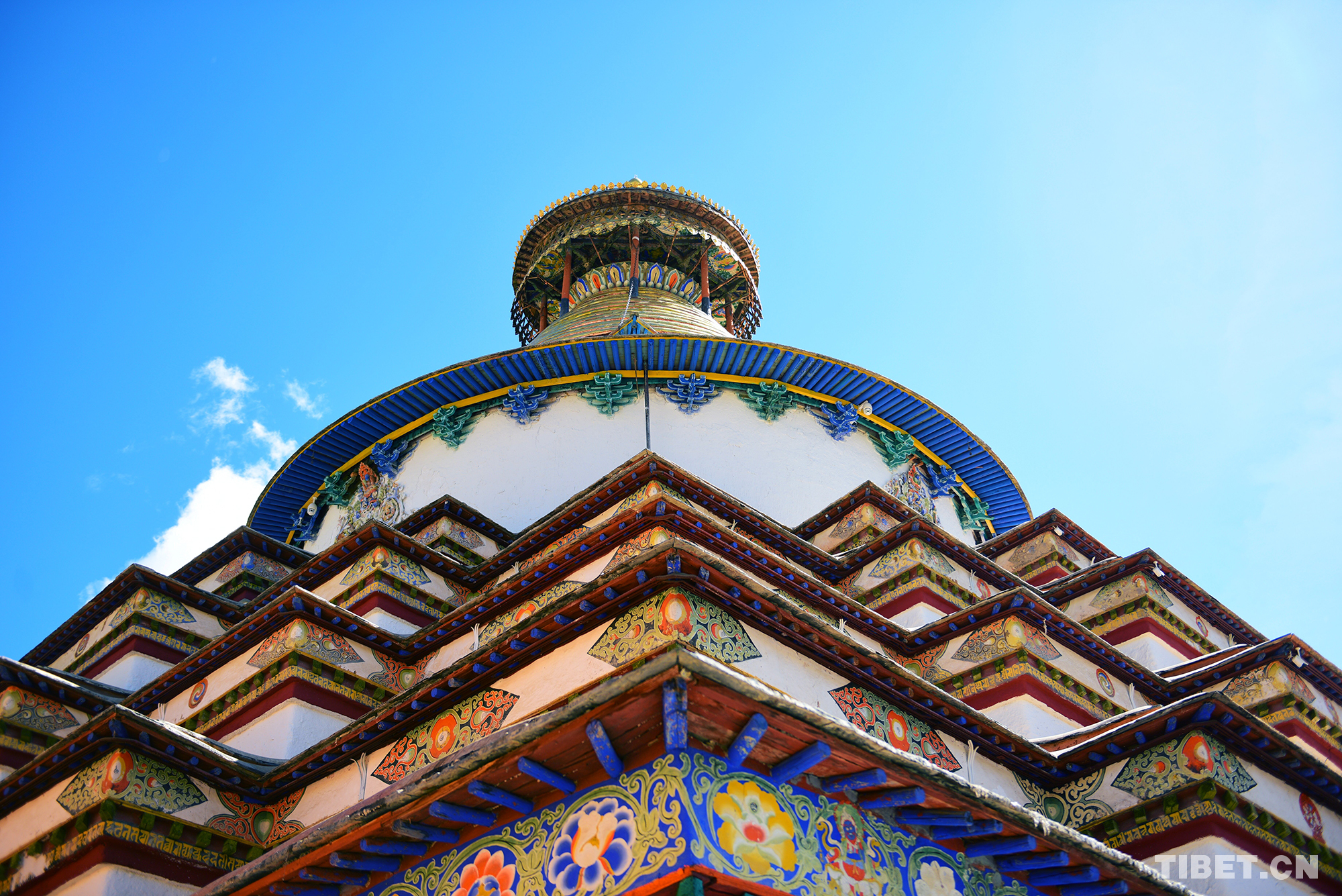 """【和美新西藏】壮美的""""十万佛塔"""""""