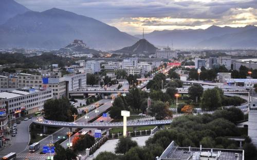 新西藏 新氣象 新畫卷