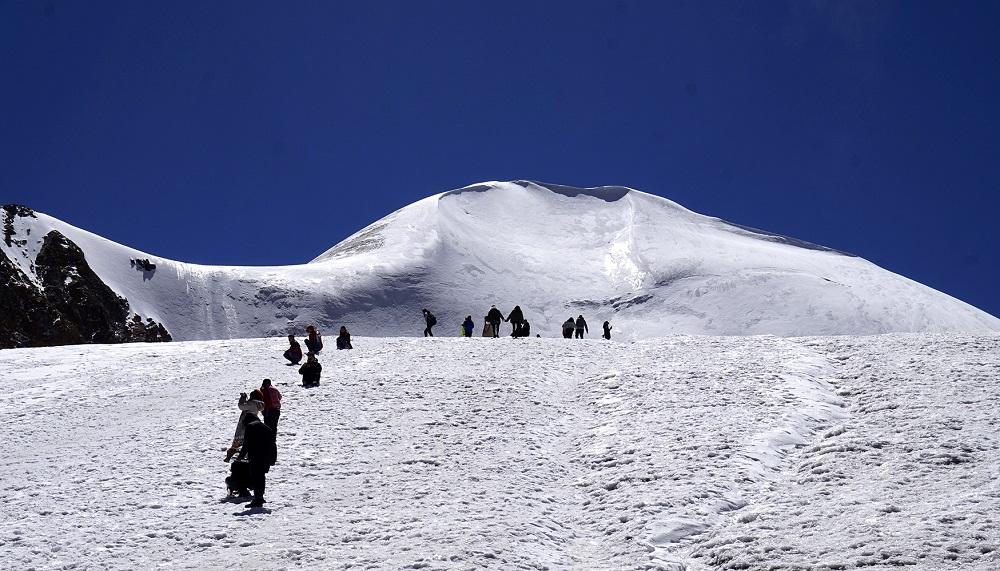 西藏洛堆峰开启雪山初体验