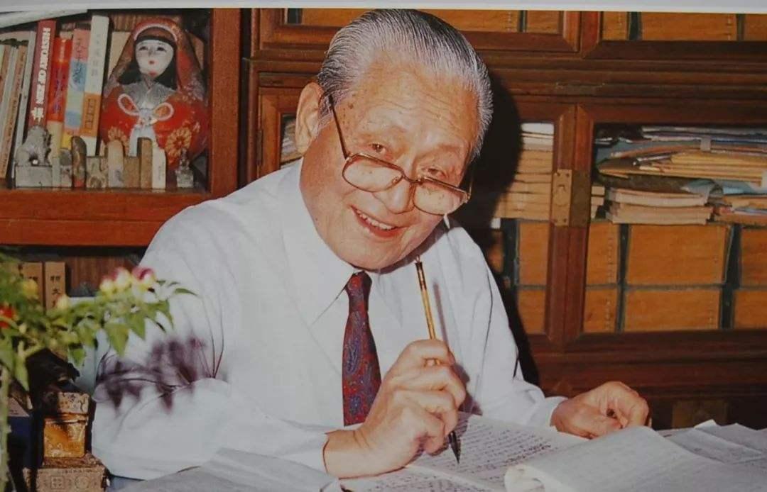 民进先贤赵朴初的政治贡献