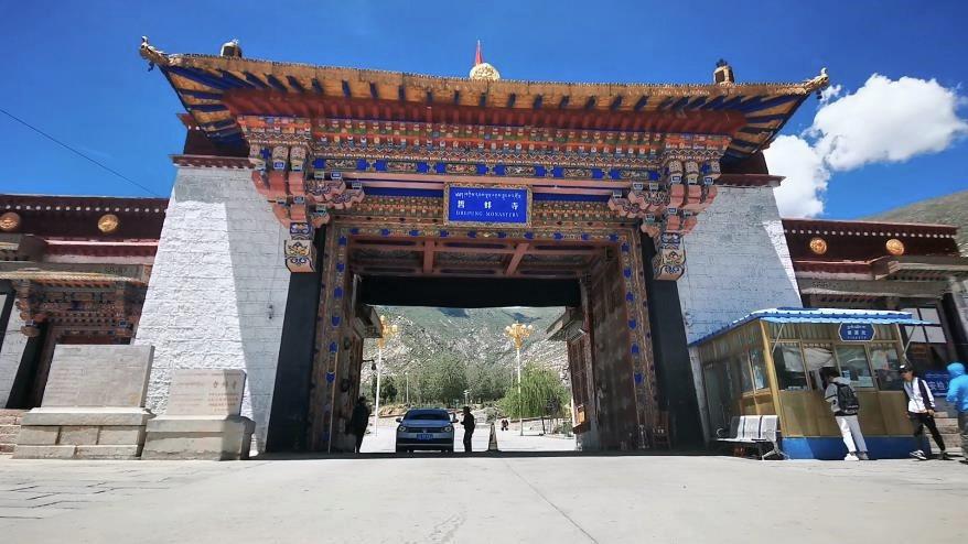 走进西藏哲蚌寺,感受夏日古寺的清幽与肃穆