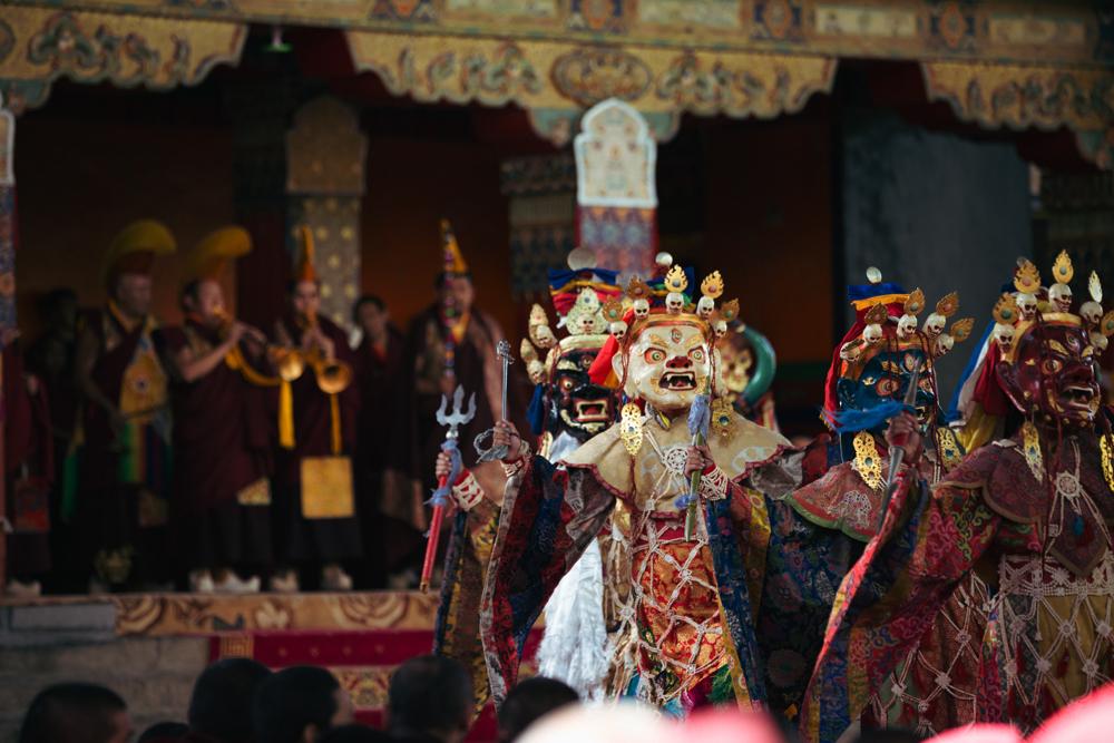 """扎什伦布寺举行""""跳神""""活动,为众生祈福"""