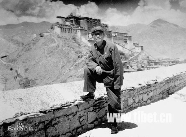 新中国首位藏族政协委员—天宝
