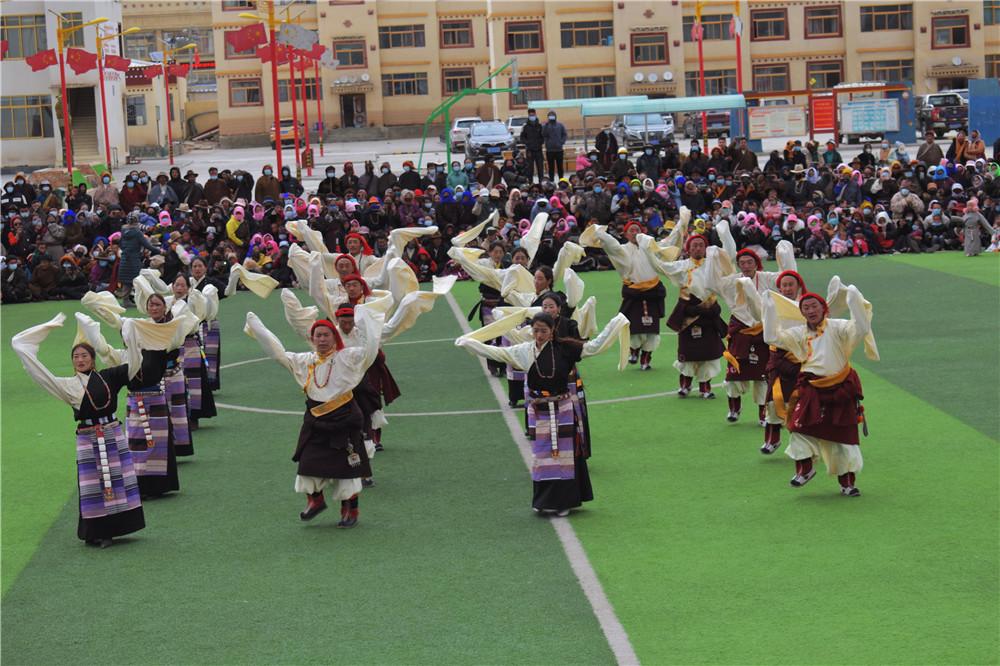 西藏那曲市油恰鄉歡慶百萬農奴解放紀念日