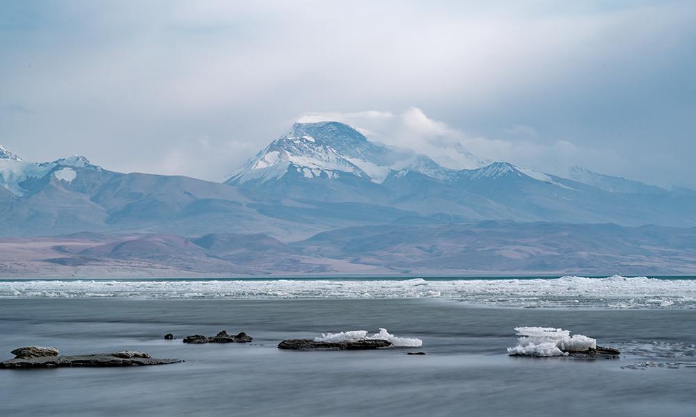 【行在云端】碧湖映雪山