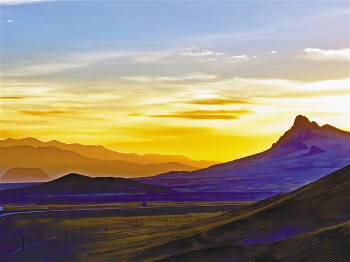 西藏各族干部群众团结奋进建设幸福家园 奋力谱写新时代西藏发展新篇章